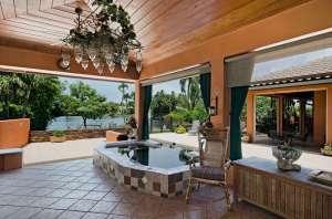 455 Palm Cir East outdoor living