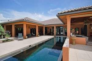 455 Palm Cir East Pool