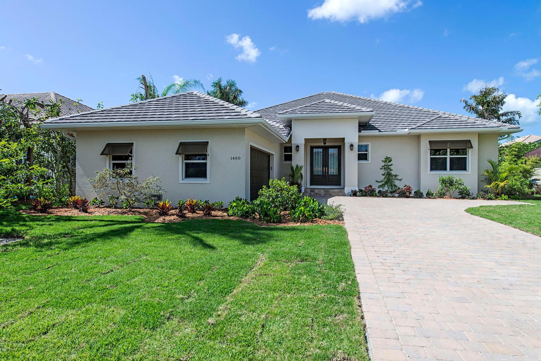 1480 Curlew Avenue Naples FL-large-006-front-1499x1000-72dpi